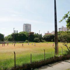 Centro Esportivo no Tatuapé: futebol e alegria efêmera, vídeos