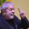 Juiz retira benefícios do ex-presidente Lula, preso em Curitiba