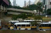 Motoboys e motoristas de vans escolares se unem em apoio aos caminhoneiros