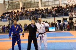 Garra e persistência são lições do Jiu Jitsu e o Rapha dá o exemplo
