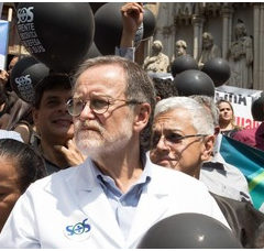 APM apoia médicos brasileiros para suprir saída dos cubanos