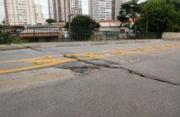 """""""Pontes e viadutos da cidade não correm risco iminente de colapso"""", diz SIURB"""