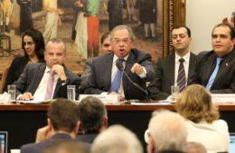 Paulo Guedes: enfrenta a falta de decoro na CCJ