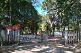 CEU Tatuapé / Carrão: canteiro de obras, a sujeira está ao lado