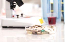 Dexametasona será usada no tratamento da COVID-19, afirmam pesquisadores ingleses
