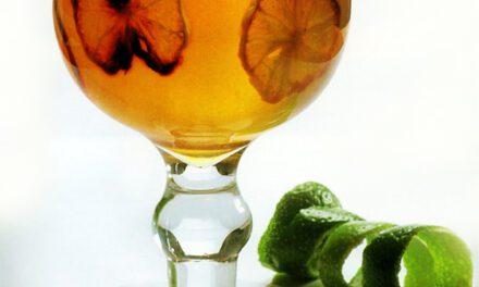 Gelatina de Vinho com Limões Cristalizados