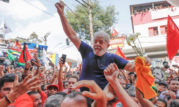 Lula preso: melancólico dia do líder brasileiro e não há nada para comemorar